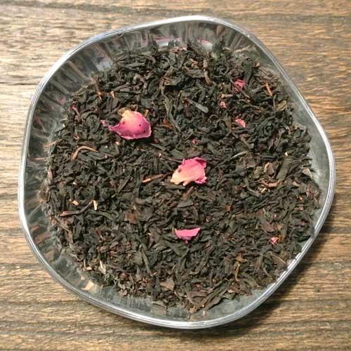 Kola, rabarber och grädde - svart te