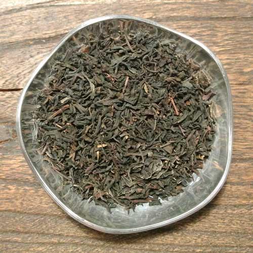 Yunnan FOP är ett milt men samtidigt smakrikt och fylligt te från Yunnan provinsen i Kina. Detta te blir inte beskt även om det får dra länge.