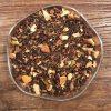 Svart te med kryddiga julsmaker. Innehåller apelsinskal, kanelbitar, anis, kryddnejlika och kardemummafrön.