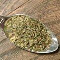 Herbes de Provance är en örtblandning med bl a fänkål, lavendel och rosmarin. Kan användas till all slags kött, grytor grönsaker och grillat.