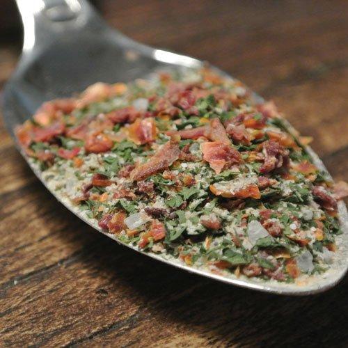 Med Bruschetta kan dugöra en god tomatröra, blanda tomat med basilika, olivolja och denna krydda och servera på grillat bröd. Italiensk antipasti, enkelt och gott.