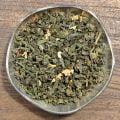 Jordgubb och grädde är denna lilla dessert smaksatt med. Ett te med grönt te som bas.