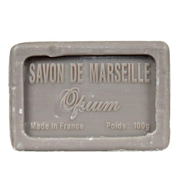 Tvål från franska Savon de Marseille med den klassiska doften opium. 100% vegetabilisk och berikad med mjukgörande sheasmör.