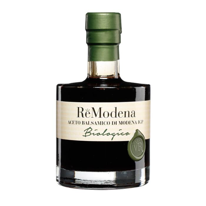 Ekologisk balsamvinäger från italienska ReModena. De runda harmoniska smakerna dröjer sig kvar och dansar i munnen under en lång delikat stund.