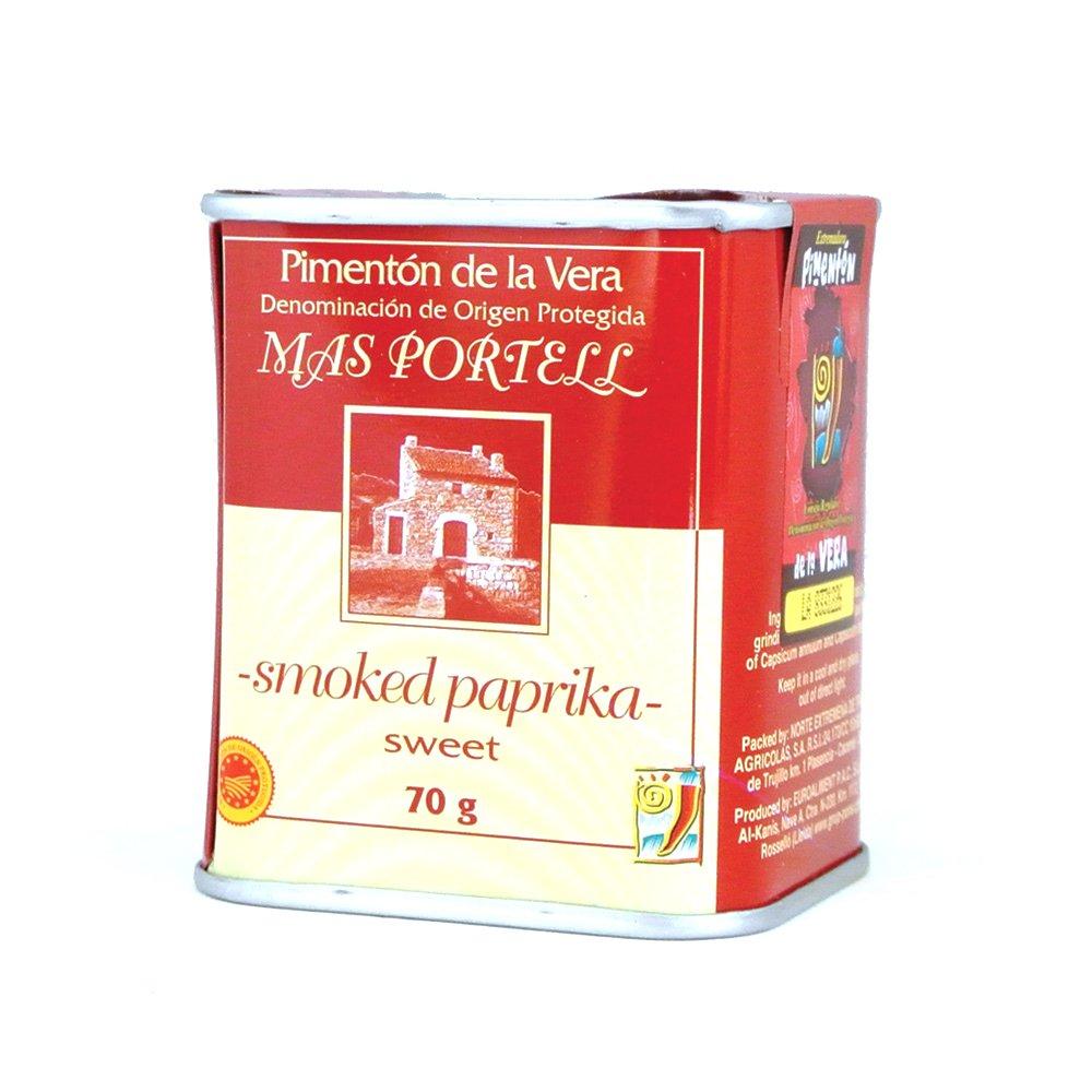 Rökt paprikapulver från Spanien i en söt variant med fyllig smak, används t ex i grytor och är ett måste om du gör egen korv.