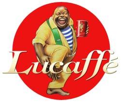 Lucaffé är ett italienskt kafferosteri som grundades 1996 av Gian Luca Venturelli. Charm och professionalism genomsyrar varumärket och resultatet är en espresso tillverkad med stor omsorg och kärlek, vilket märks!