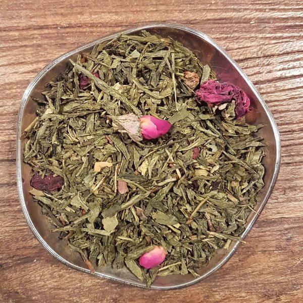 Grönt te med smak av päron och litchifrukt. Detta te innehåller även päronbitar, ginkoblad, rödbeta och rosknoppar.