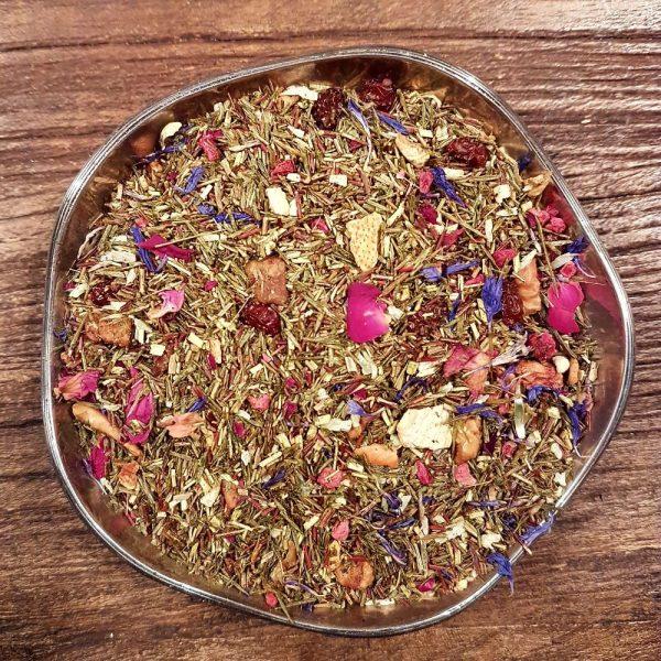 Grön rooibos med smak av tropiska frukter. Grön rooibos är ofermenterad rooibos, vilket ger en smak som är lite friskare och snarlik grönt te.
