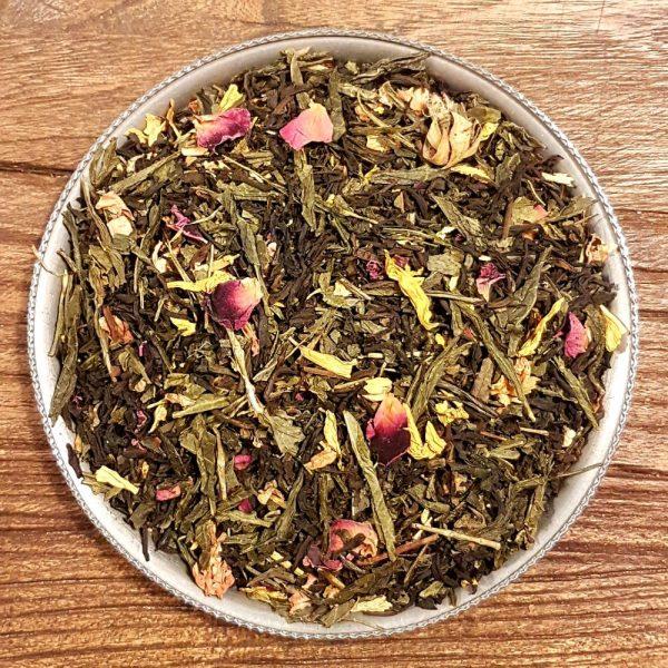 Svart och grönt te med fruktiga smaker från jackfrukt och persika tillsammans med härlig vaniljsmak.
