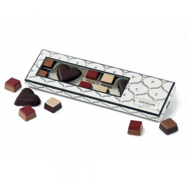 Chokladask med praliner och marsipanhjärtan 100 g
