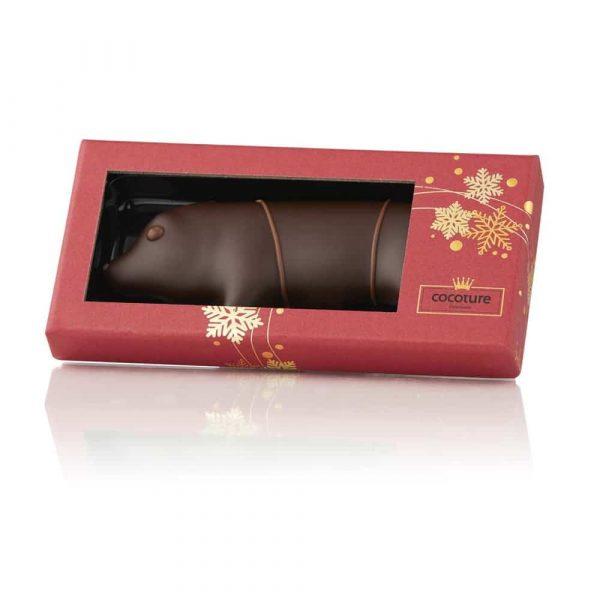 Marsipangris gjord på imponerande 66% mandel doppad i mörk choklad. Fint förpackad i röd ask med gulddekor. En god och uppskattad julgåva.